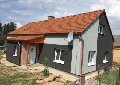 Renovace fasády v černé barvě