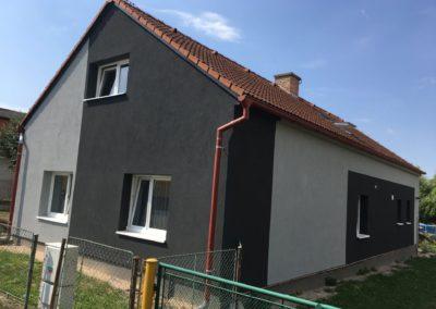Černá fasáda po renovaci