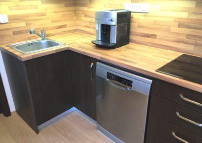 Kávovar na kuchyňské lince